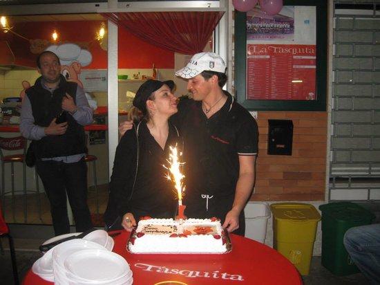 La Tasquita: I gestori festeggiano il primo compleanno!