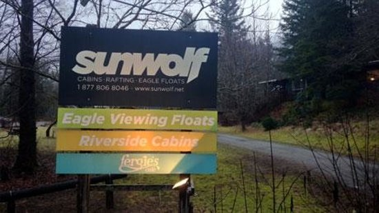 Sunwolf: A friendly greeting as you drive up
