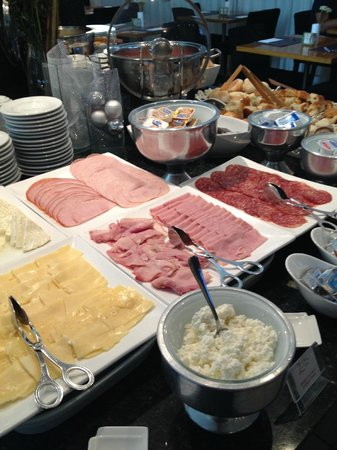 Promenade Palladium: Part of the breakfast buffet