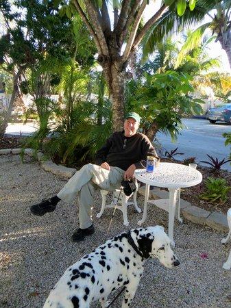 Seafarer Resort and Beach : Private outside area