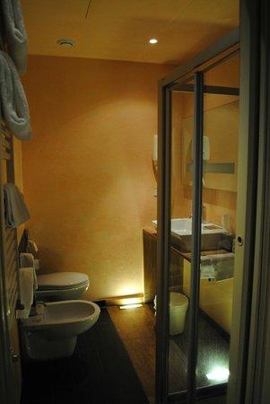 Grand Hotel Cavour: Superior Double Room bathroom