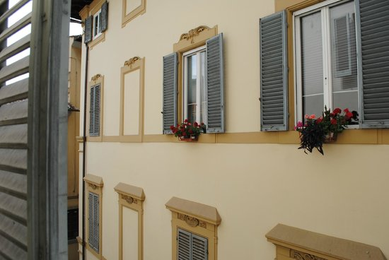 Grand Hotel Cavour : View from room window