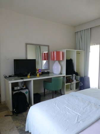 Bali Court Hotel and Apartments: Standard Room