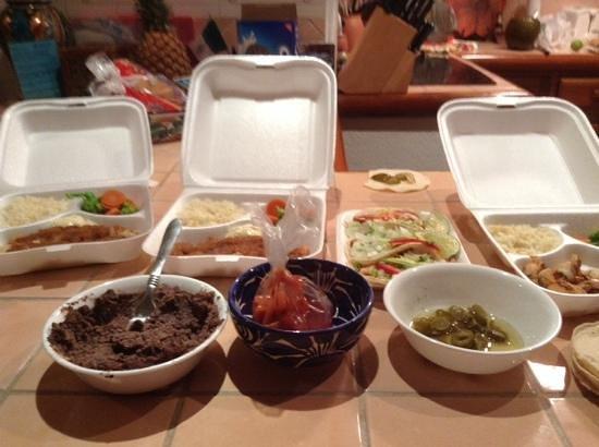 Las 3 Acapulquenas: cena con varios platos
