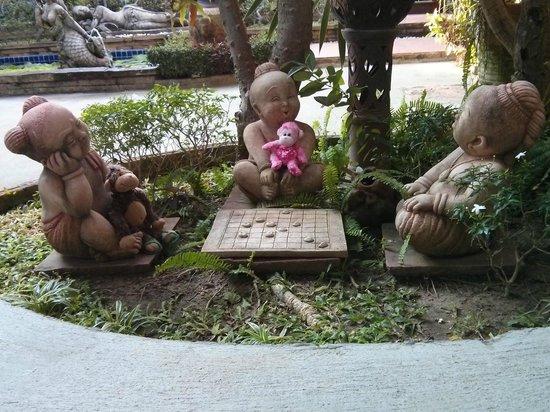 Ruenkanok Thai House: Fun things to see hidden in the landscape