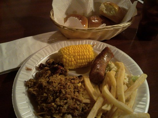 Big Bill's Low Country Bar-B-Q: I love the sausage
