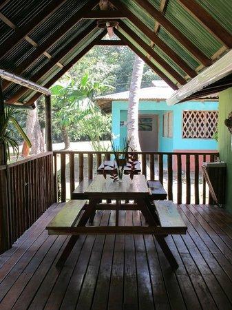 Tico Mex : Nice breezy sitting area