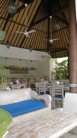 Artemis Villa and Hotel: Restaurant