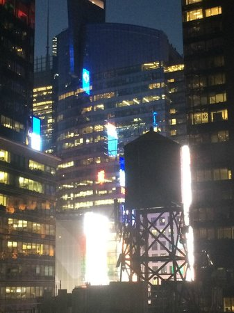Hotel Mela: Times Square view from PH1