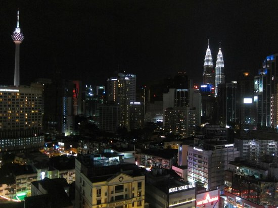 Capitol Hotel : cityscape from room during night