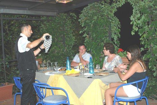 Al Poggetto : dinner on the patio