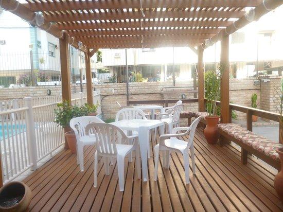 Hotel Pousada Silene: Deck