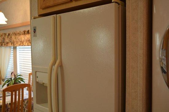 Fort Pierce KOA: Refrigerator in Deluxe Cabin