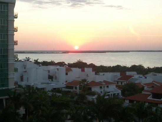 Golden Parnassus All Inclusive Resort & Spa Cancun: Sunset