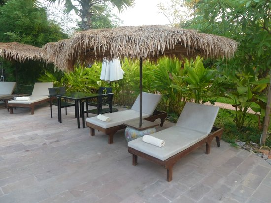 Battambang Resort: Pool Side