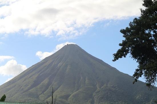 Hotel Sierra Arenal: ...vista sul Vulcano!