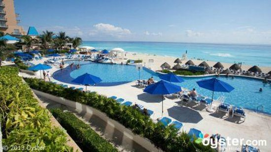 Golden Parnassus All Inclusive Resort & Spa Cancun: Beautiful view from the Buffet Restaurant