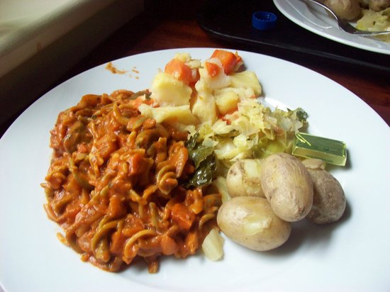 O'Connors Pub Doolin: Vegetable Pasta with potatoes and carrot.