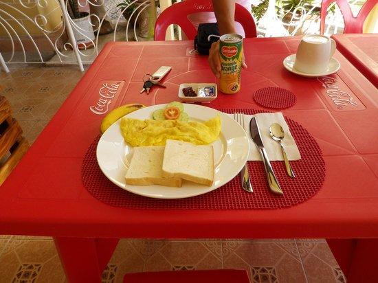 Malonzo Pension House: Breakfast