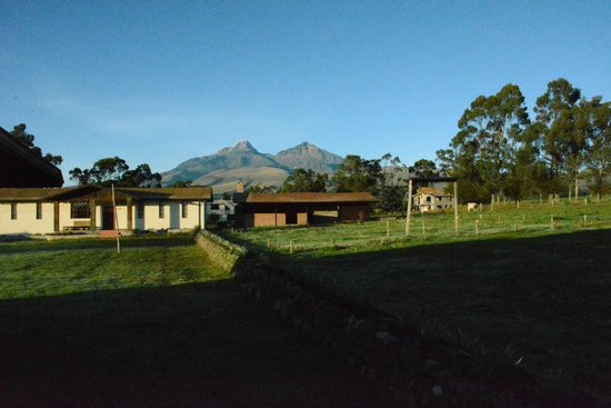 "Chuquiragua Lodge & Spa : View of the ""twins"" Volcano"