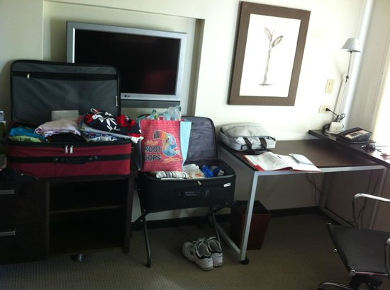 Doubletree by Hilton San Juan: our mess beside the desk