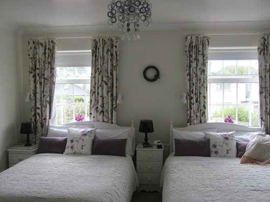 Marless House Bed & Breakfast: lovely bedroom