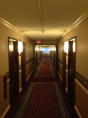 Holiday Inn Fond Du Lac: Hallway