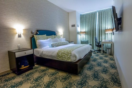 Hotel Skyler Syracuse, Tapestry Collection by Hilton : King bed room