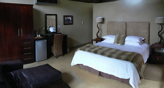Pilanesberg Private Lodge : Nicely furnished