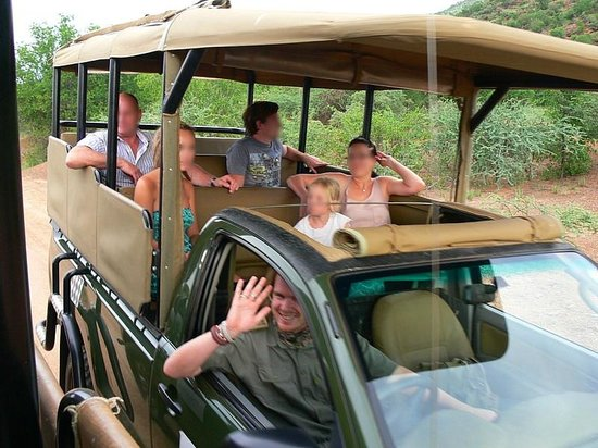 Pilanesberg Private Lodge : Open sided safari vehicle