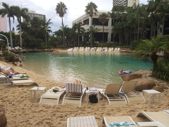Surfers Paradise Marriott Resort & Spa: lagoon pool. ground view