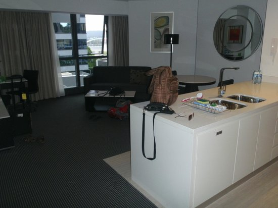Meriton Serviced Apartments Brisbane on Herschel Street: living/dining area of 1 bedroom suite 210