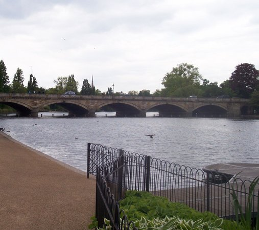 Diana Princess of Wales Memorial Fountain : View of the Serpentine Bridge