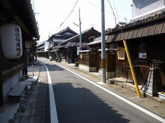 大仙堀と醤油蔵 - 湯浅町、湯浅重要伝統的建造物群保存地区の ...