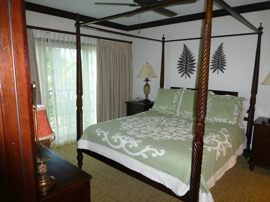 Waipouli Beach Resort : One of the bedrooms