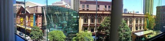 Meriton Serviced Apartments Campbell Street: Panorama view from room