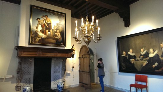 Frans Hals Museum: beautiful paintings, room and old Dutch tiles