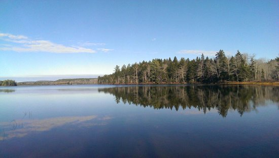 Point Lookout: Knights pond in Autumn.