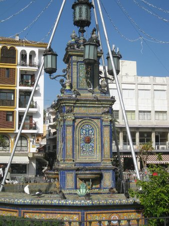 Plaza Alta: Fountain in the centre of the plaza