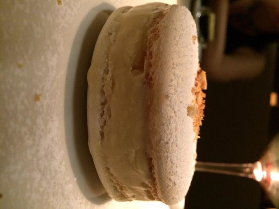 Rockpool Bar & Grill: Macaroon Ice Cream Sandwich