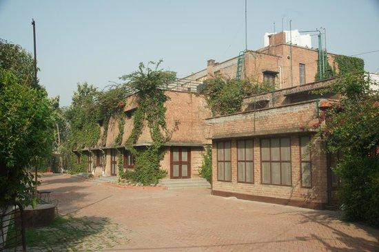 Mrs. Bhandari's Guesthouse: Mrs Bandari's Guesthouse (Amritsar) - front entrance