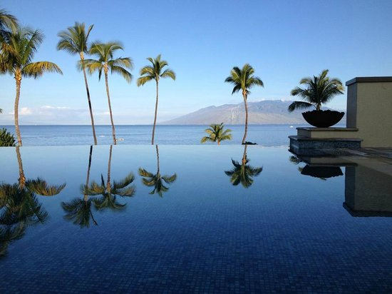 Four Seasons Resort Maui at Wailea: View from the hot tub at the adults-only Serenity Pool!