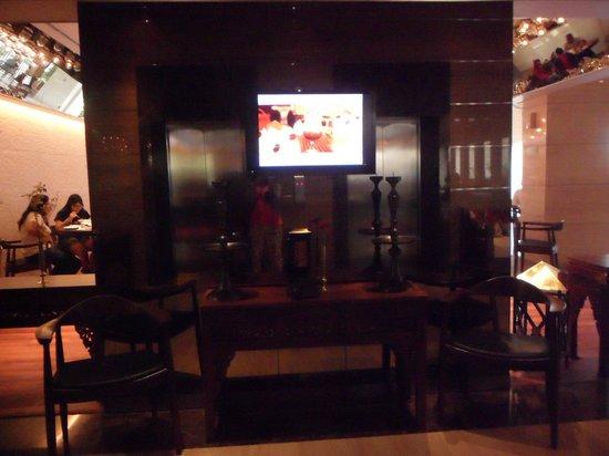 de JAVA Hotel: Lift Lobby