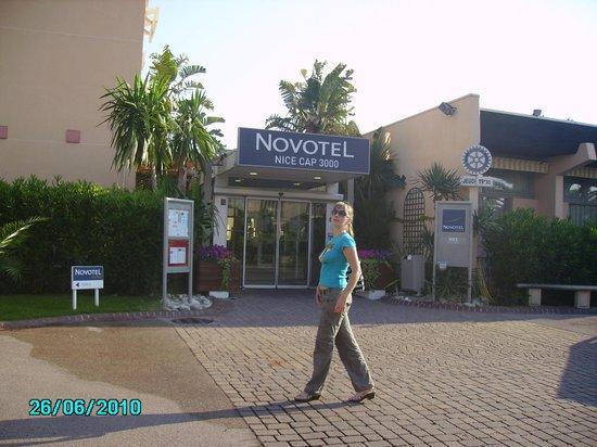 Novotel Nice Aeroport Cap 3000 : Вход в отель