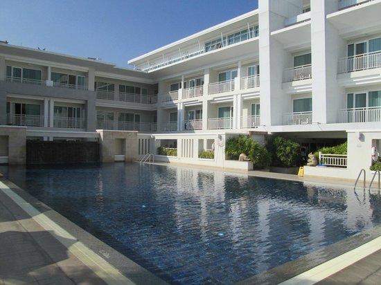 Kantary Hills, Chiang Mai: アパートメントホテルのプールとは思えません