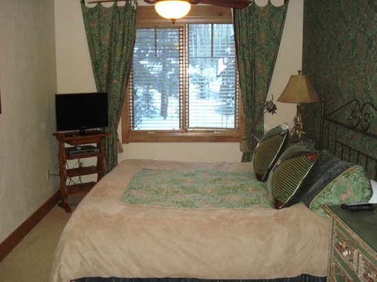Mountain Thunder Lodge: Room 5301 Master BR