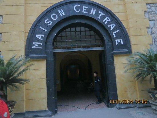 HanoiKids Tour : Haola Jail
