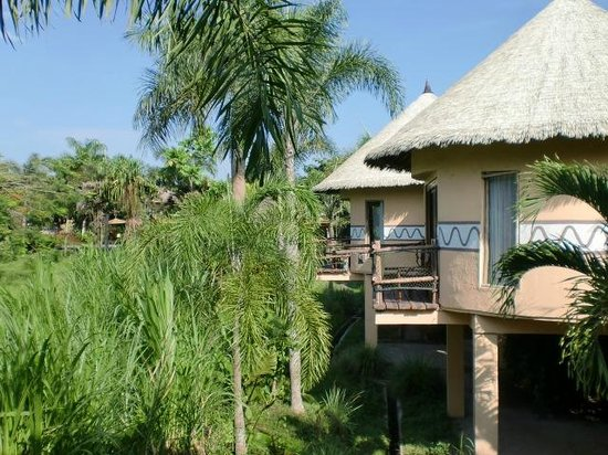 Mara River Safari Lodge: お部屋の外観