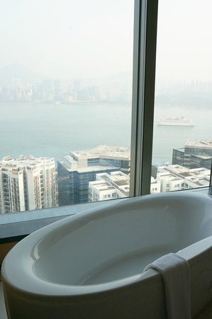 EAST Hong Kong : East: Harbour View Suite