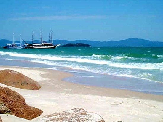 Praias Brancas: Playa de Canasvieiras a pocos Kms. del complejo